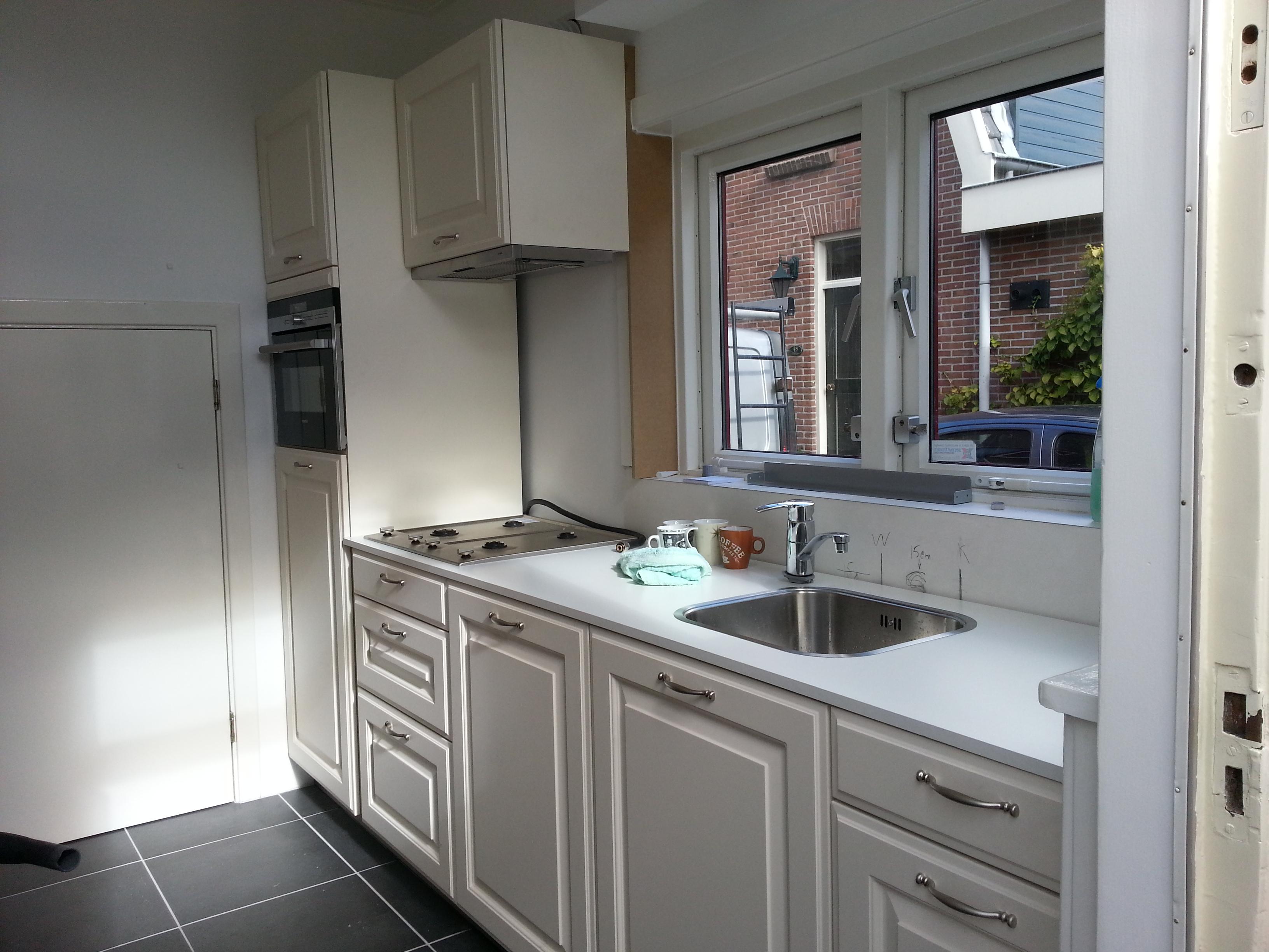 keuken nieuwe tegels : Nieuwe Keuken Met Tegels Klussenbedrijf Aan Het Werk
